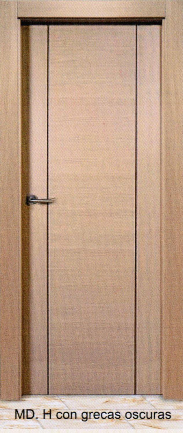 puerta interior modelo h con grecas oscuras